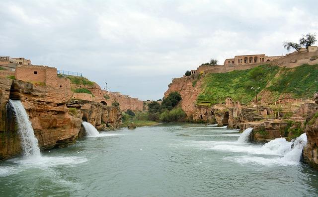 iran cascades anciennes en khuzestan